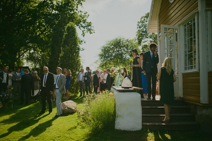 Triin_Marc_backyard_wedding_mait_juriado-07