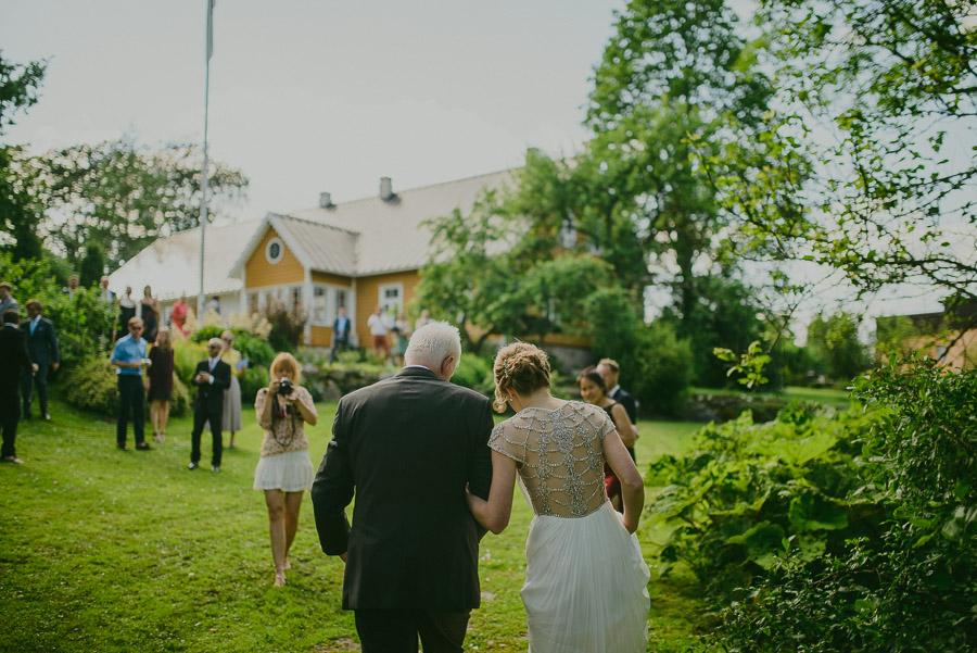 Triin_Marc_backyard_wedding_mait_juriado-14