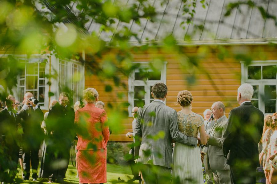 Triin_Marc_backyard_wedding_mait_juriado-22