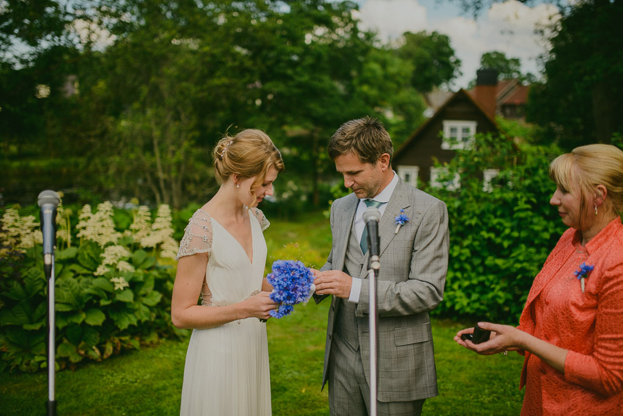 Triin_Marc_backyard_wedding_mait_juriado-23