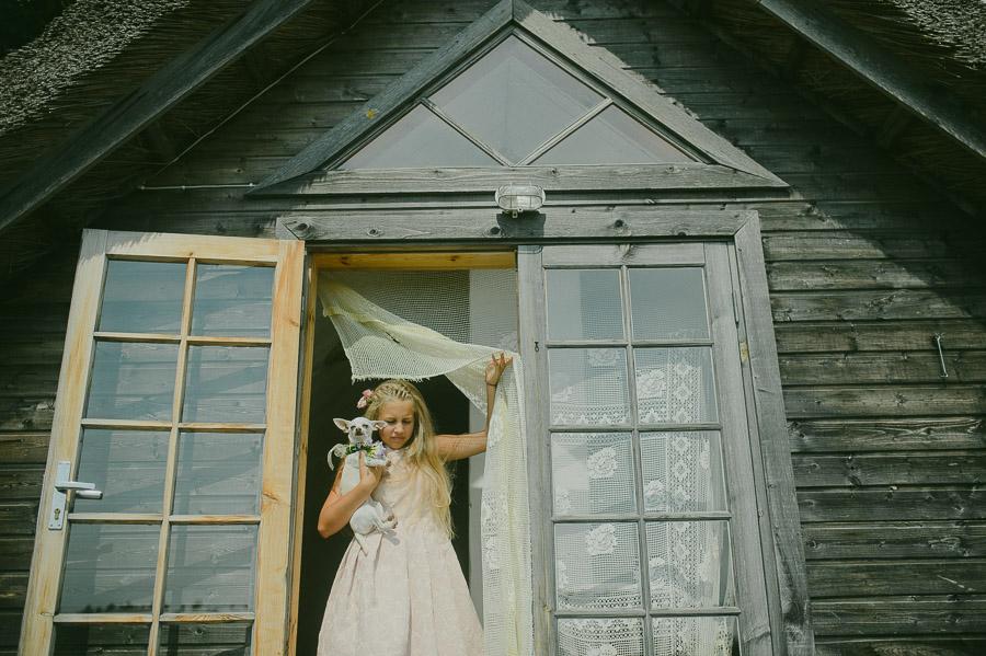Muhu_Pulm_Wedding_M&J_Studios_Triin_Kaspar-048