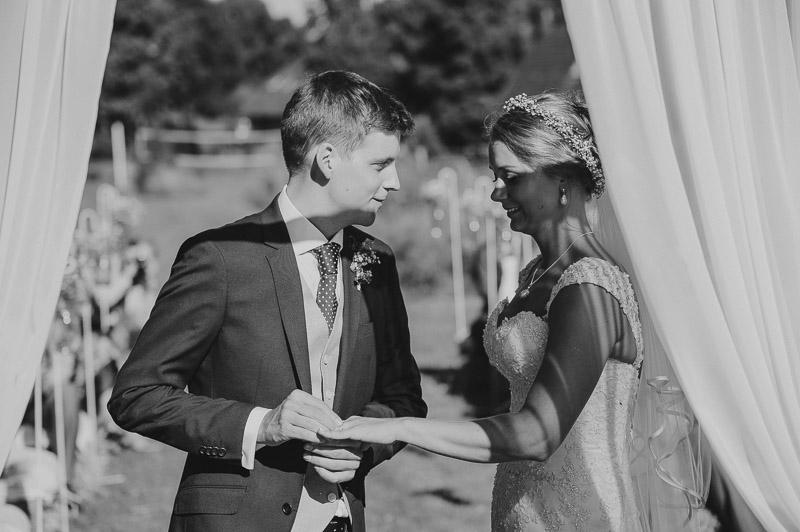 Ann_Julian_wedding_pulm_Kuke_talu_Mait_Juriado_MJ-Studios-35