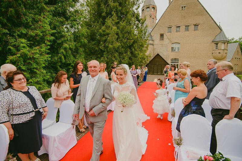 Juliana_Kalmer_Taagepera_Loss_Castle_Wedding_Pulm_Mait_Juriado_M&J-Studios-022