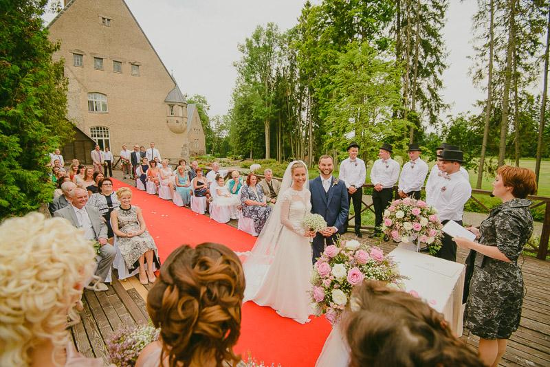 Juliana_Kalmer_Taagepera_Loss_Castle_Wedding_Pulm_Mait_Juriado_M&J-Studios-024