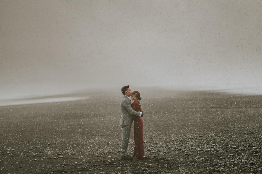 Iceland_engagement_session_weddings_mait_juriado_M&J_Studios-057