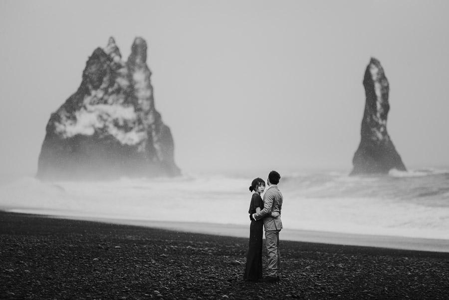 Iceland_engagement_session_weddings_mait_juriado_M&J_Studios-059