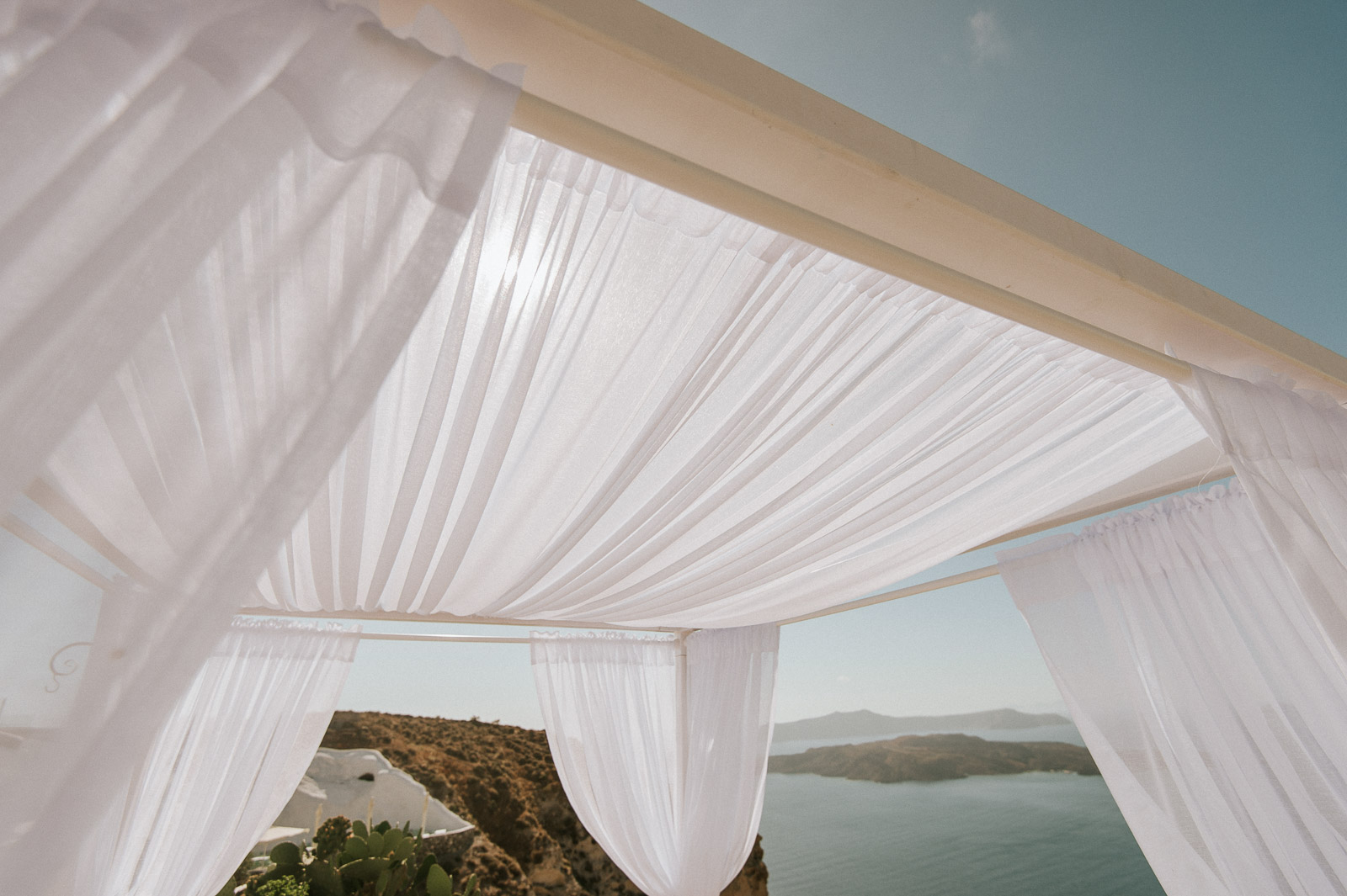 Santorini-Wedding-Photographer-Greece-Destination-Weddings-Mait-Juriado-M&J-Studios-050