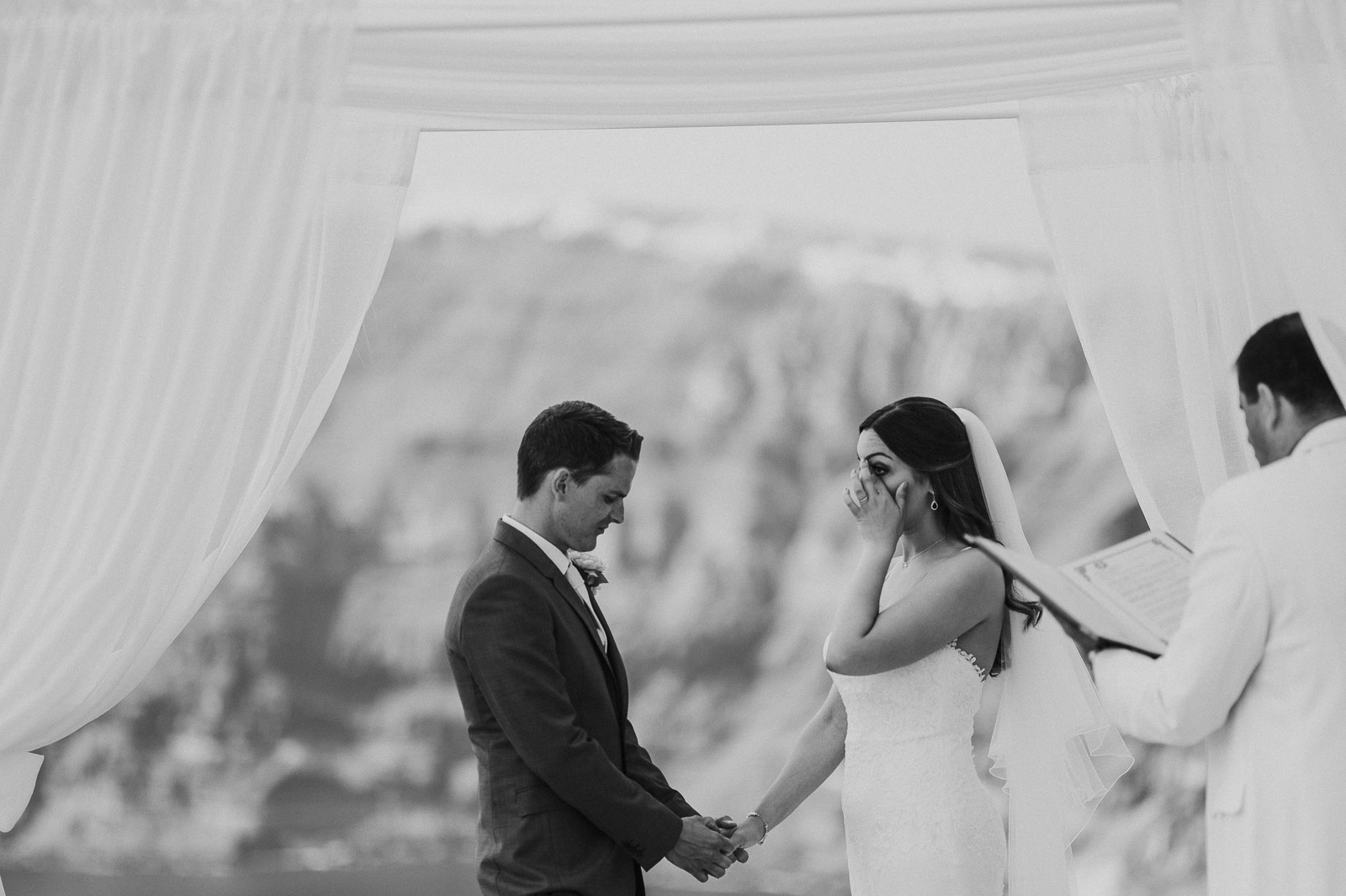 Santorini-Wedding-Photographer-Greece-Destination-Weddings-Mait-Juriado-M&J-Studios-062