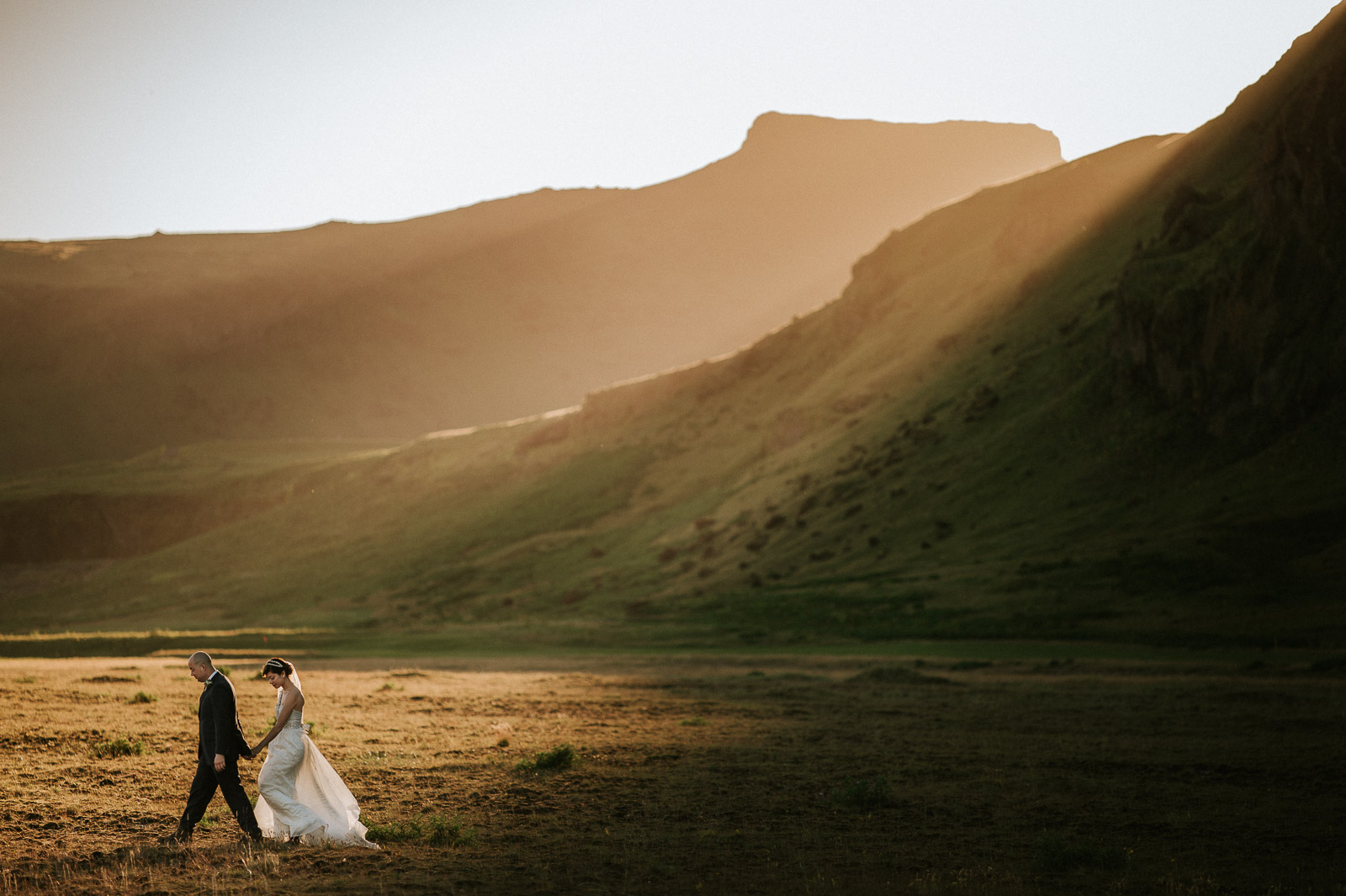 1-iceland-elopement-wedding-sunset