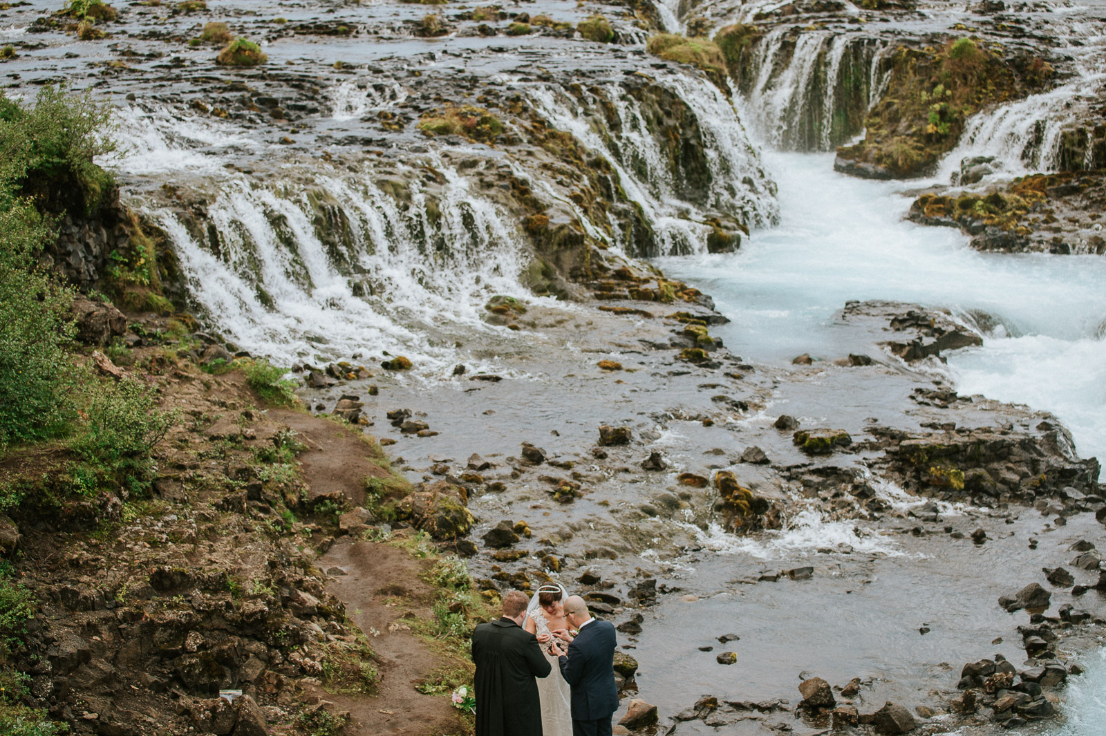 26-iceland-elopement-ceremony-waterfall