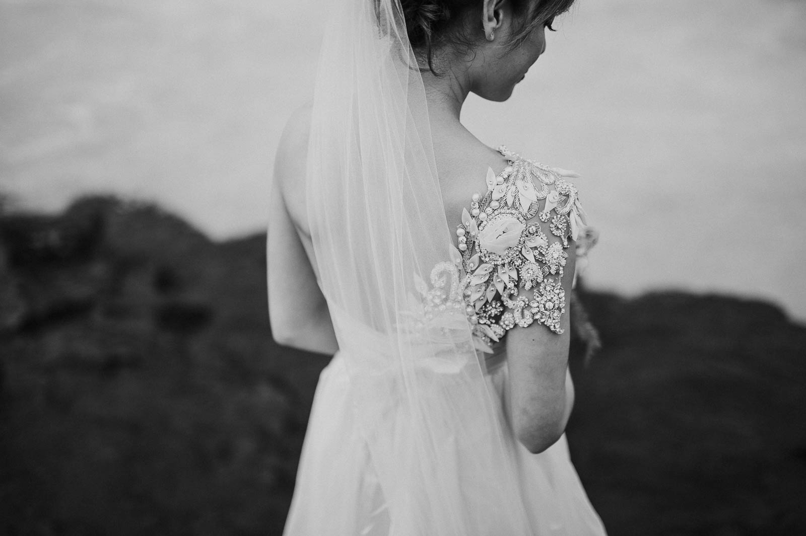 33-iceland-elopement-bride-dress