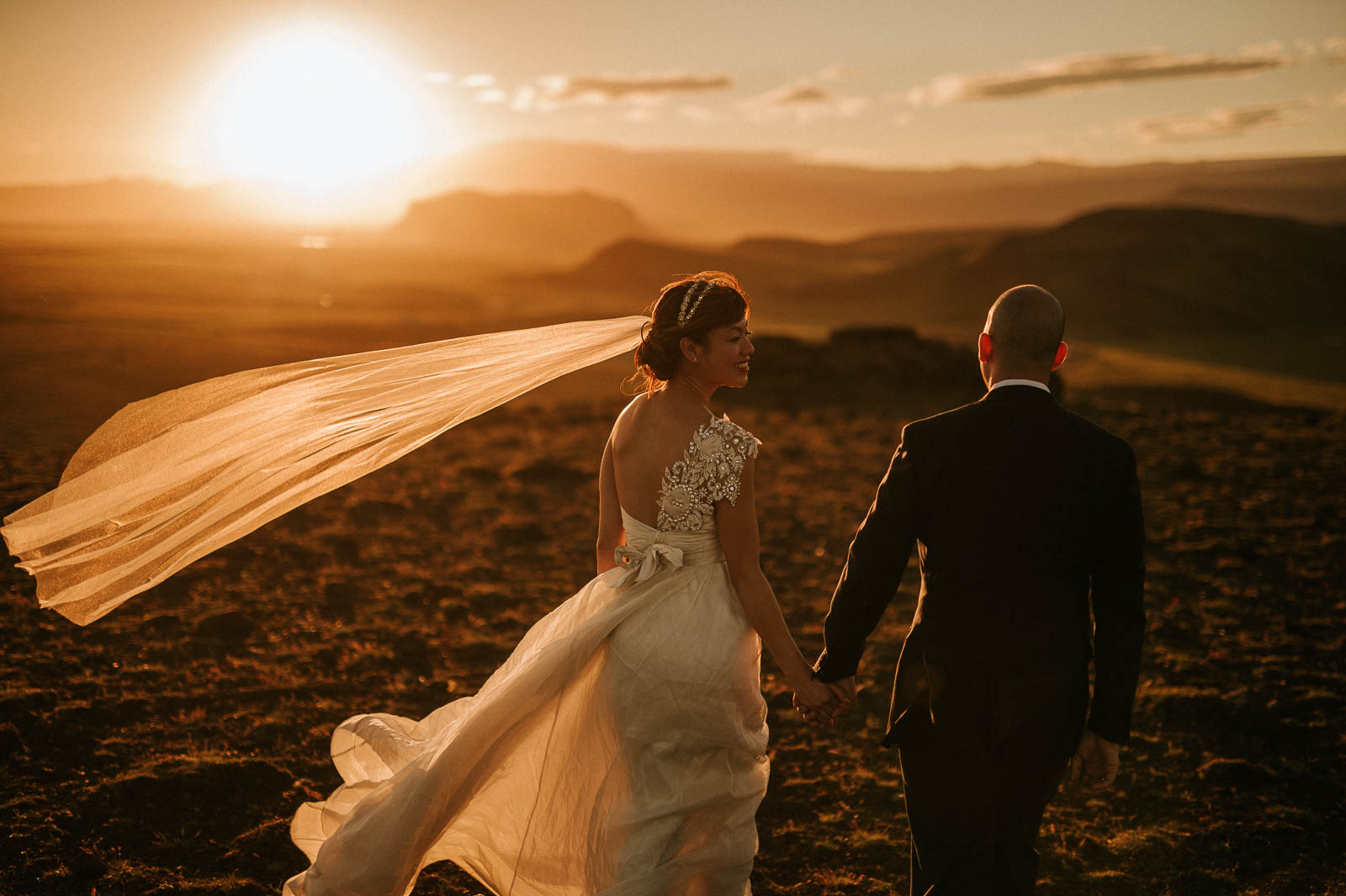 88-iceland-elopement-seaside-gliff-sunset-wedding