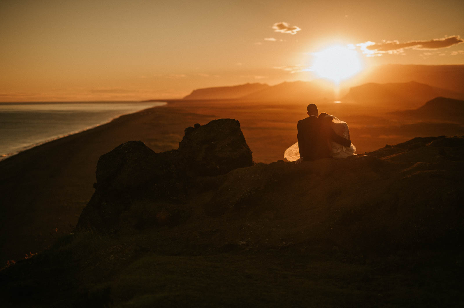 96-iceland-elopement-sunset-wedding-couple