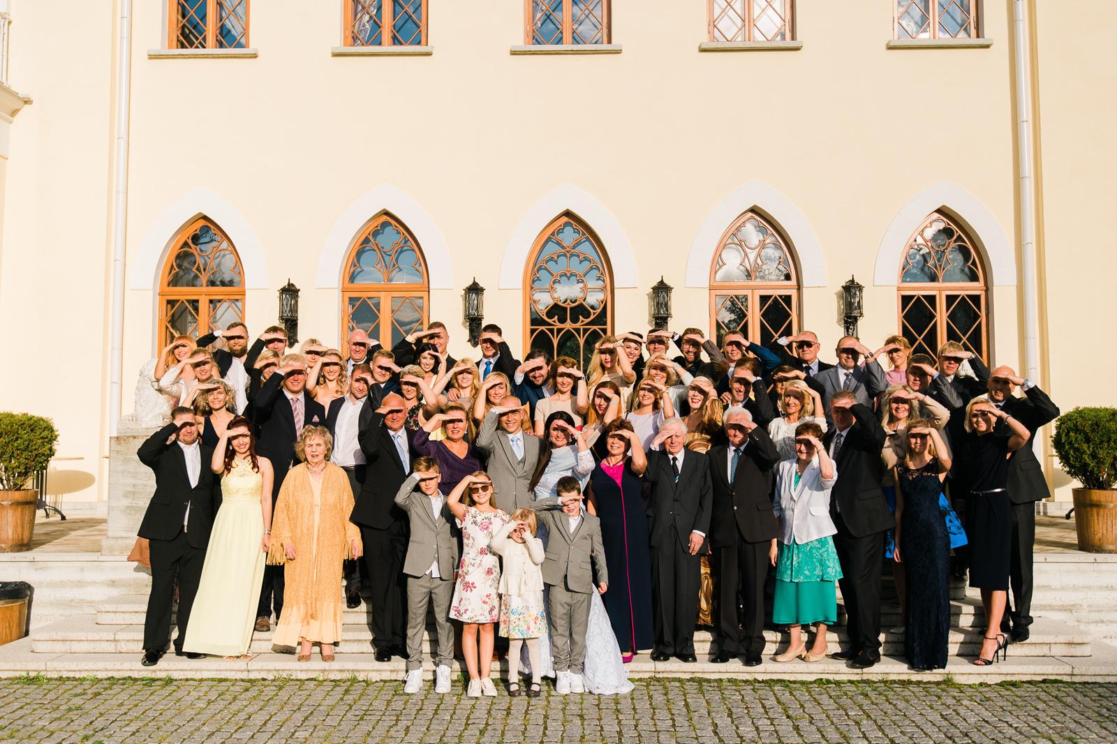 Pulma grupifoto päike pimestab inimesi 10 parimat nõuannet pulmadeks