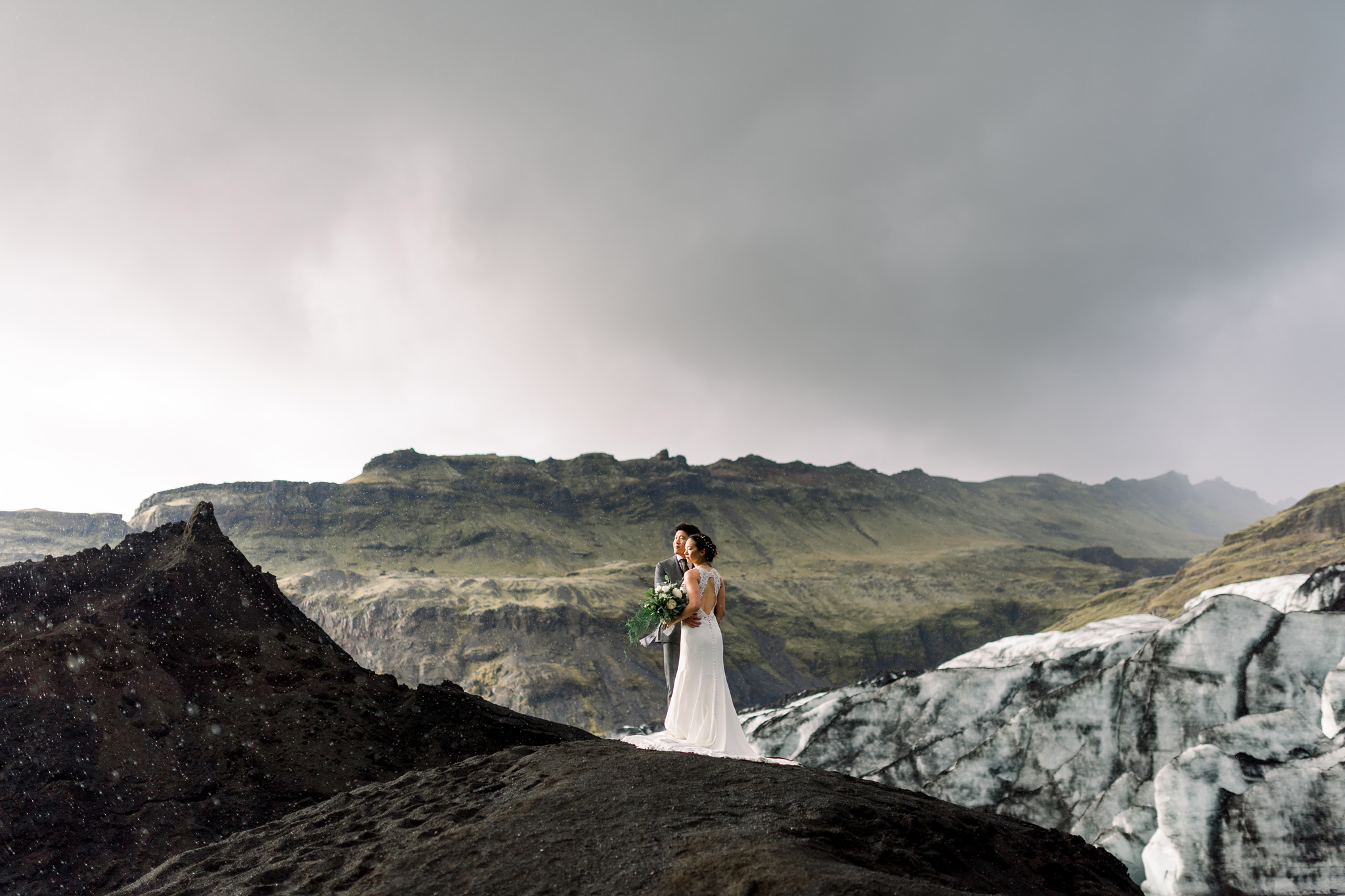 Iceland-wedding-elopement-photographer-glaciers-MJ-Studios-Mait-