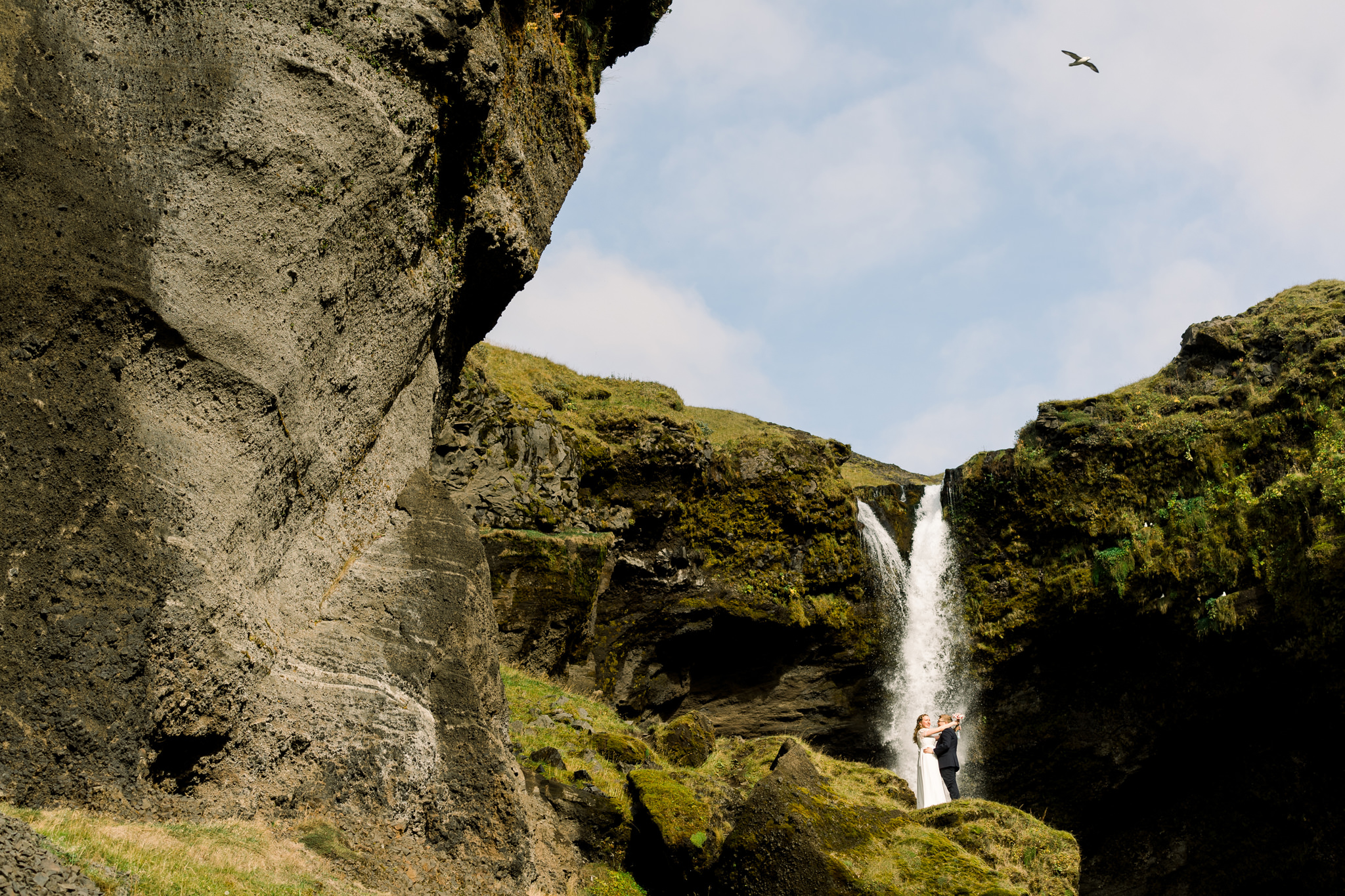 Iceland-wedding-elopement-photographer-waterfall-MJ-Studios-Mait