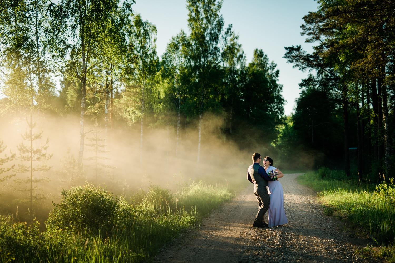 Pruut ja peigmees suvel Soomal pulmafotograaf Mait Jüriado