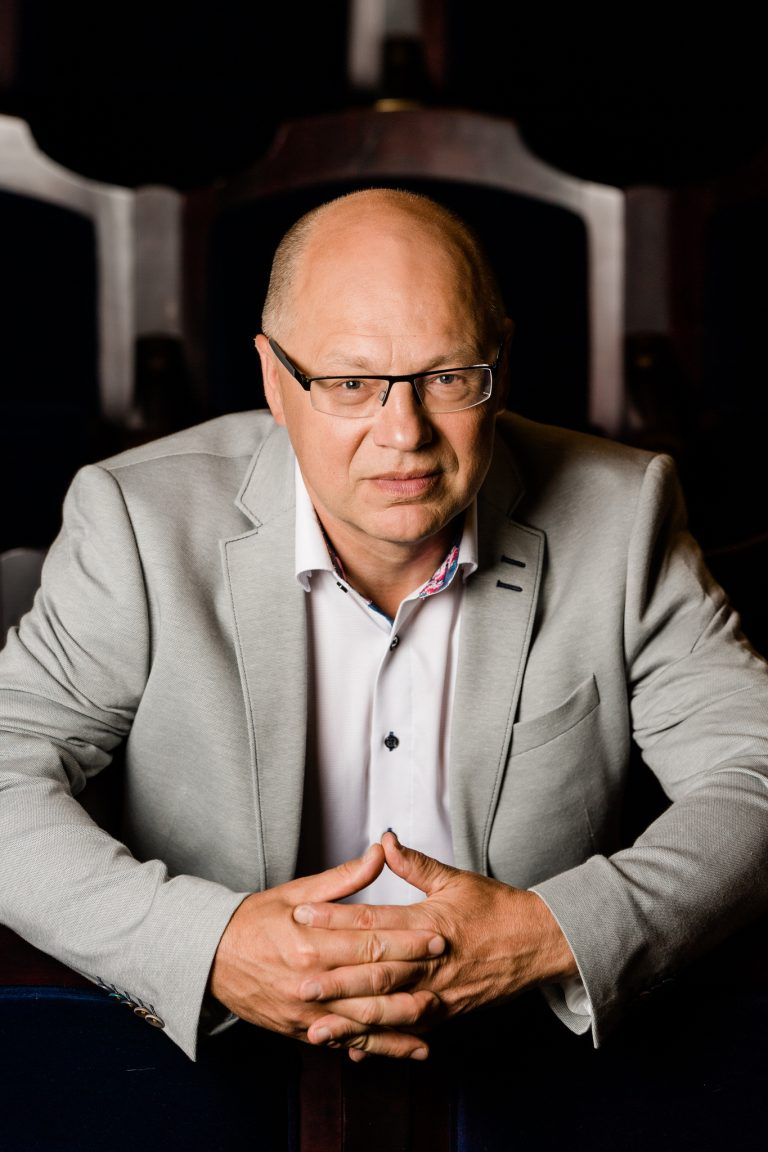 Portrait of Arvo Volmer Artistic Director and Chief Conductor