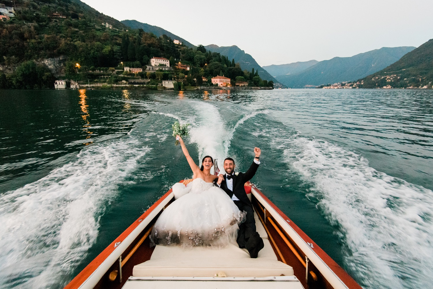 S_J-Slide-167_lake_Como_wedding_photography_mait_J¸riado_mj_boatride_studios_villa_pizzo_Italy_destination_villapizzo