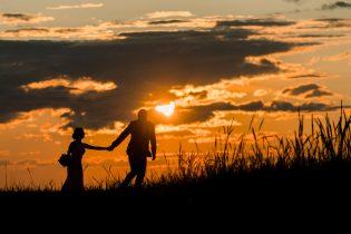 Päikeseloojangu pilt Kõltsu Mõisas